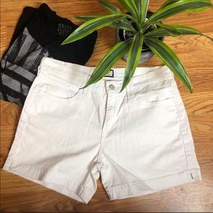 Levi & Strauss crisp white denim shorts size 10